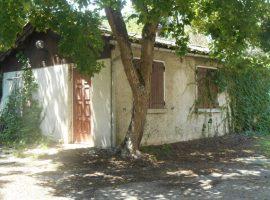 A vendre maisons  à rénover avec jardin
