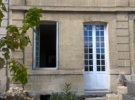 Bordeaux.  Plateau à aménager avec jardin et cour